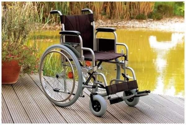 Rollstuhl Servomobil Sitzbreite 38-40cm