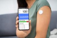 Blutzucker messen mithilfe einer Smartphone-App
